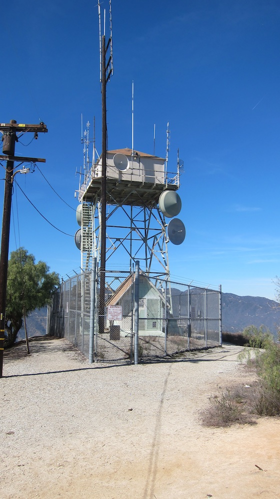Lots of antennas up on this hill that cover the Pasadena, Glendale and Altadena, CA vicinity. Photo credit: Tim Carter, W3ATB