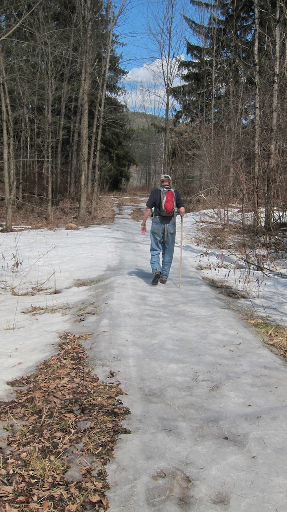 Here's Jim, W1PID, walking on some hard pack snow that's soon to be on its way back to the Atlantic Ocean via the Pemigewasset River. Photo credit: Tim Carter - W3ATB